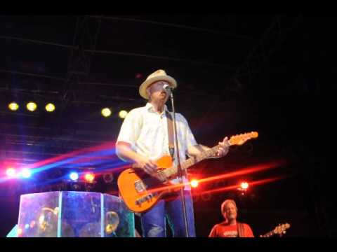 The Dirt Road - Sawyer Brown At Soybean Festival in Martin TN (2013)