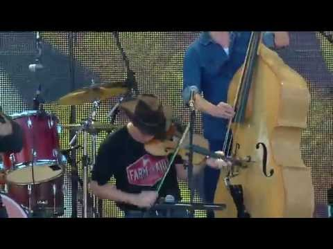 Old Crow Medicine Show - Wagon Wheel (Live at Farm Aid 30)