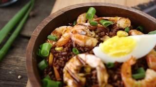 Как приготовить красный рис с креветками и овощами | Простой рецепт