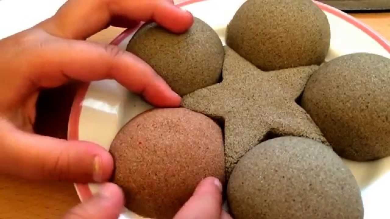 How to Color your Kinetic Sand with food color! its a fun messy ...