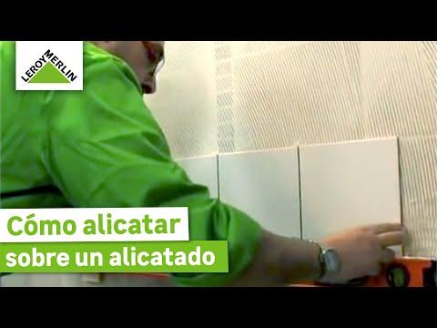 Alicatar sobre un alicatado parte i leroy merlin youtube - Aplicacion de microcemento en paredes ...