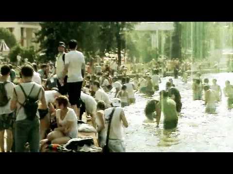 Жара: водная битва и купание в фонтанах на ВДНХ