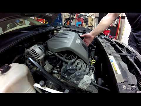 Diagnosis of oil leaks on a GM 3800 V6 - Valve cover gaskets and intake manifold gaskets