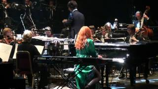 Tori Amos - Star of wonder (Live at Royal Albert Hall 2012) HQ - The gold dust orchestral tour