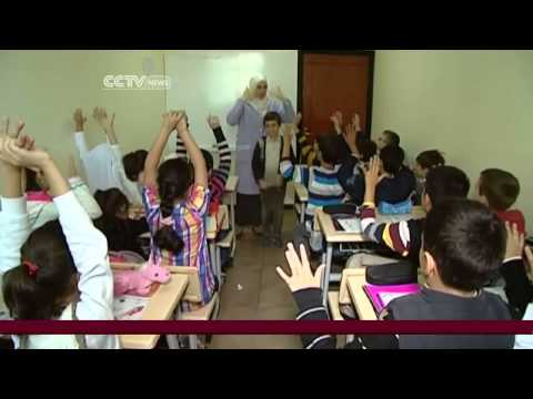 Turkey builds schools for overwhelming number of Syrian refugees