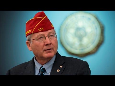 Barnett addresses American Legion National Executive Committee