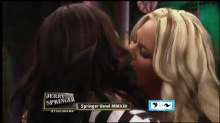 Download Video Sexy Milfs Kissing And Licking. MP3 3GP MP4