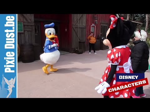 Playing A Game With Donald Duck & Minnie Mouse In Frontierland At Disneyalnd Paris 2019