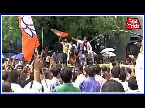 Delhi BJP Protests Outside Kejriwal's Residence, Demanding Kejriwal's Resignation