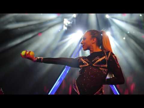 Luva Vazquez Bounce Juggling Act 2016