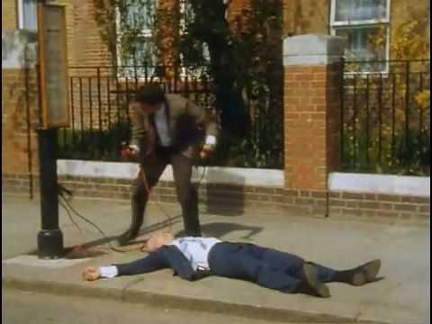 """Mr Bean - Episode 6 - """"Mr Bean Rides Again"""" Part 1"""