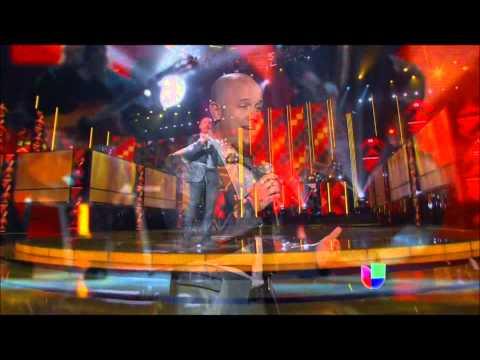Latin Grammy 2013 - Gian Marco (La Flor de la Canela)HD.