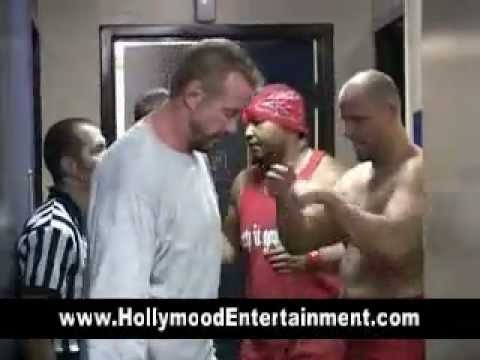 Pro Wrestlers Backstage - Rare Footage