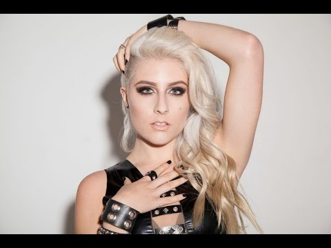Affliction - On Set Style and Tour Update with Diamante