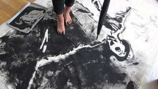 Gene Kelly- Painting with Feet (TIME LAPSE)