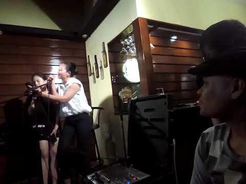 Adjah Albornoz with chinese guests singers