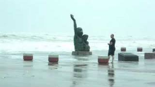 Hurricane Ike - Galveston Storm Surge over 1900 Monument