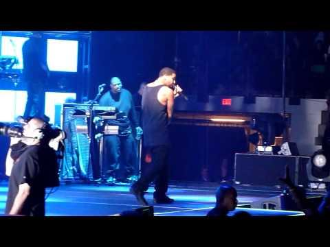 Drake - Stay Schemin LIVE!! (Club Paradise)