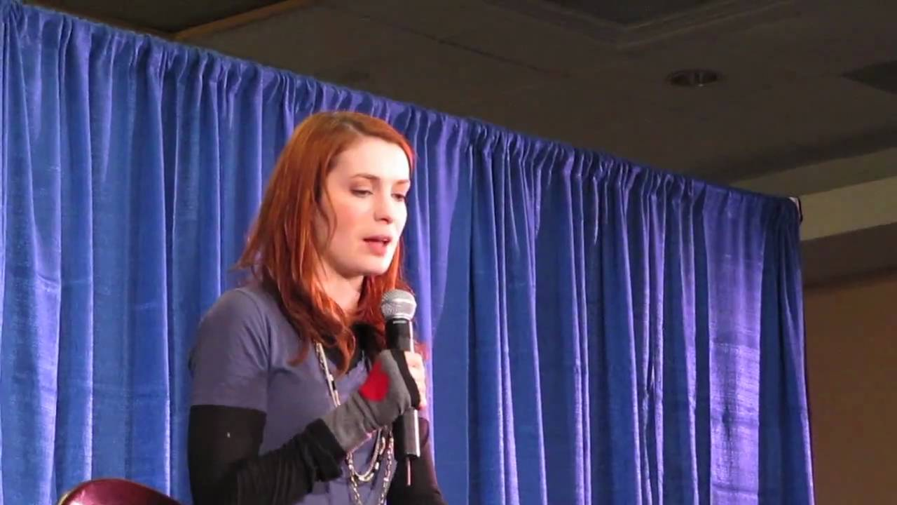 felicia day dating On friday morning (may 4, 2018) the sun-times reported the 47-year-old actor nathan fillion and his girlfriend, to be shopping for engagement rings naturally, the article sent the facebook and twitter into a frenzy.