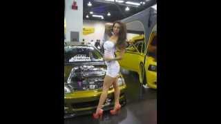 Repeat youtube video Asian model : tight skirt & no panties