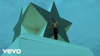 Смотреть клип Stonebwoy Ft. Rémy Adan - Putuu Freestyle   Remix