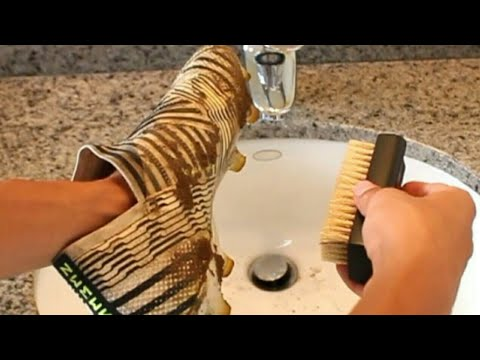 How to Clean your Cleats (Best Way)