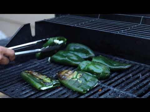COMO HACER CHILES RELLENOS EN LA PARRILLA | CocinandoConJuanita