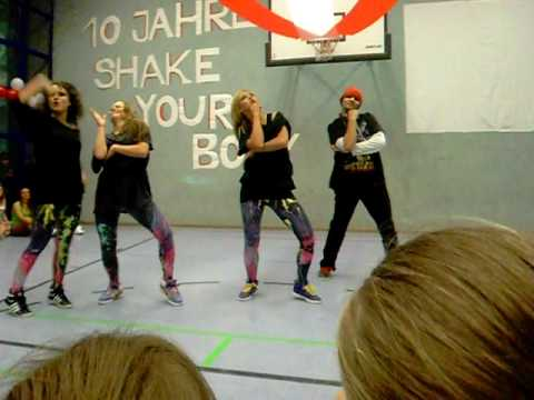 beat heads shake your body 2009