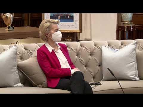 Ursula von der Leyen left without a seat at Recep Tayyip Erdoğan meeting - video