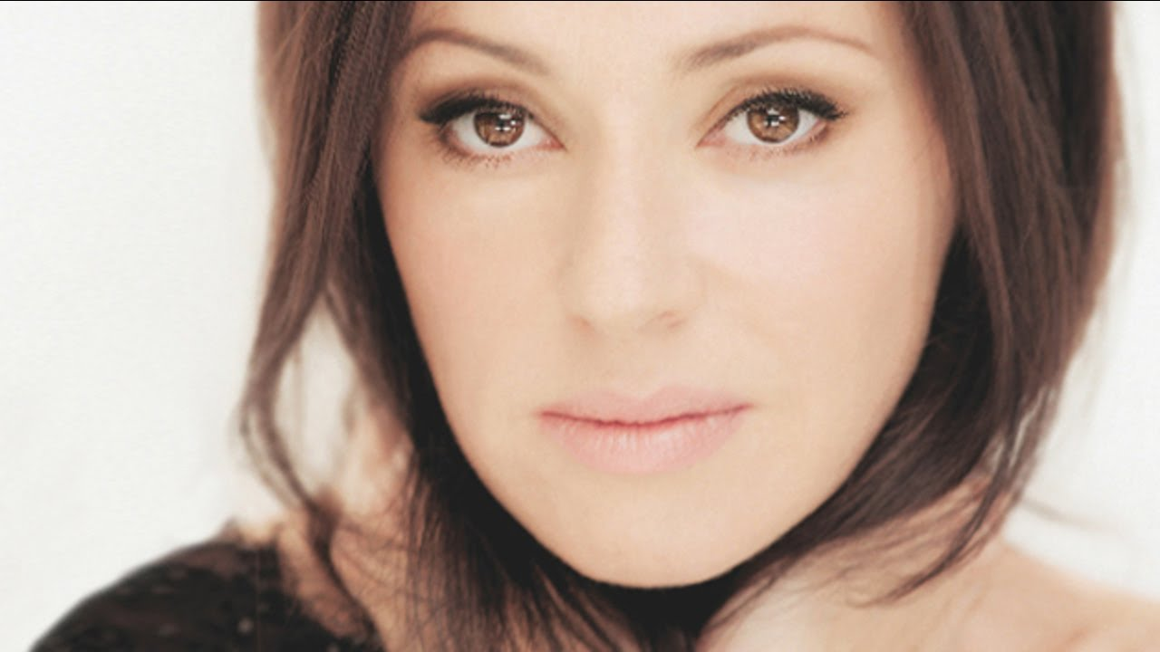 tina-arena-chains-the-music-channel