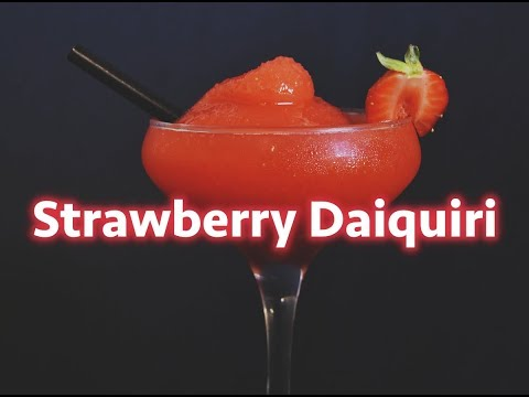 HOW TO MAKE A STRAWBERRY DAIQUIRI! (THE FROZEN ONE)