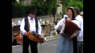 "Village St. Agnan Spring Festival (5/7) & minstrels perform ""Dances with Sticks"""