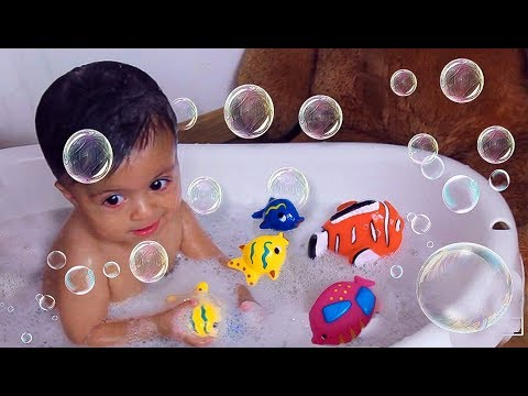Dilva Bath Time - Magical Bubble Bath With Fish Toy Friends + Outfit Change