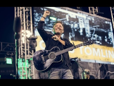 Chris Tomlin performing live at Socal Harvest 2016