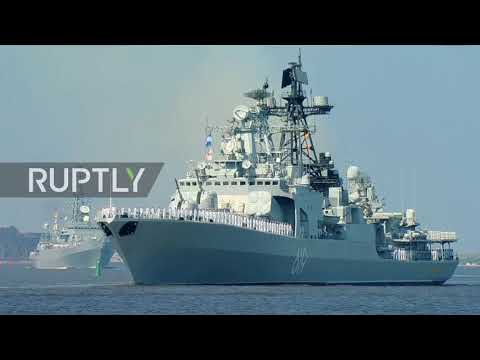 Russia: Spectacular sea and air display for Navy Day