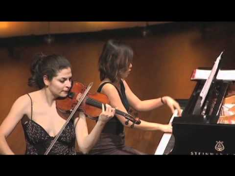 Lindsay Deutsch plays Gershwin Rhapsody in Blue
