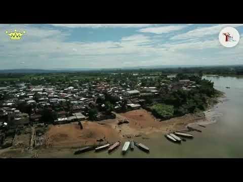Canal des Pangalanes;  le bateau Reine Tina vue du ciel