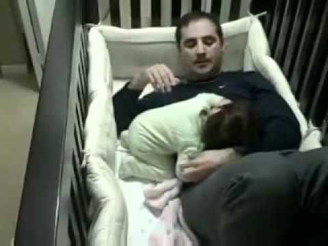 بنت جننت ابوها - مقطع مضحك - مسكين الاب - طفله مشاكسه