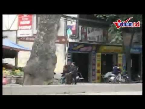 Video cận cảnh chở gái gọi trên phố Hà Nội - HayNhat.Net