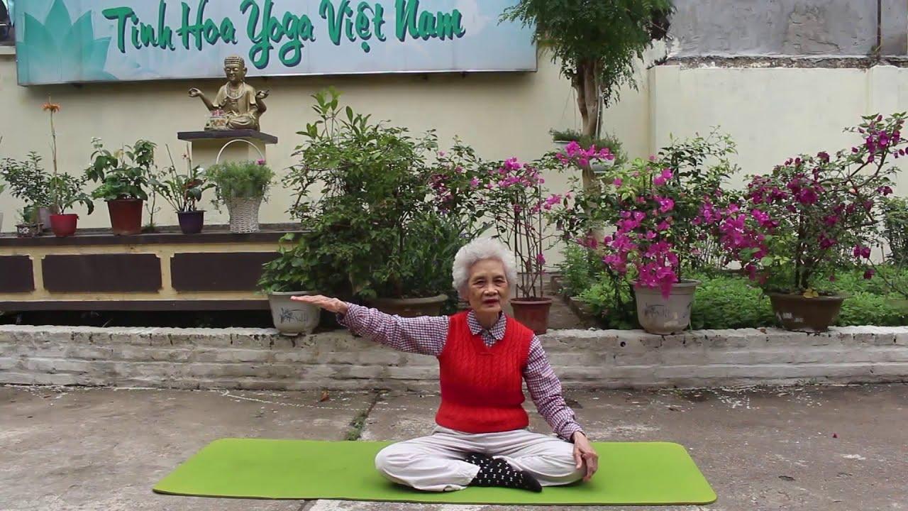 Cô Hoàng Quy Lý – Hướng dẫn tập luyện yoga để tăng cường sức khỏe trong mùa đông