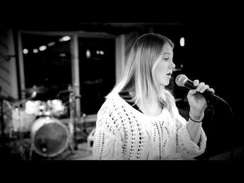 Cover Gravity Sara Bareilles - Hege Løken