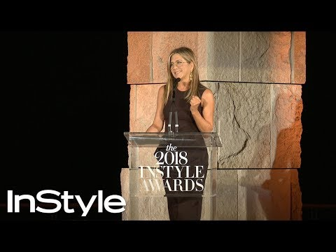 Even Jennifer Aniston Had Trouble Styling the Rachel Cut  InStyle Awards  InStyle