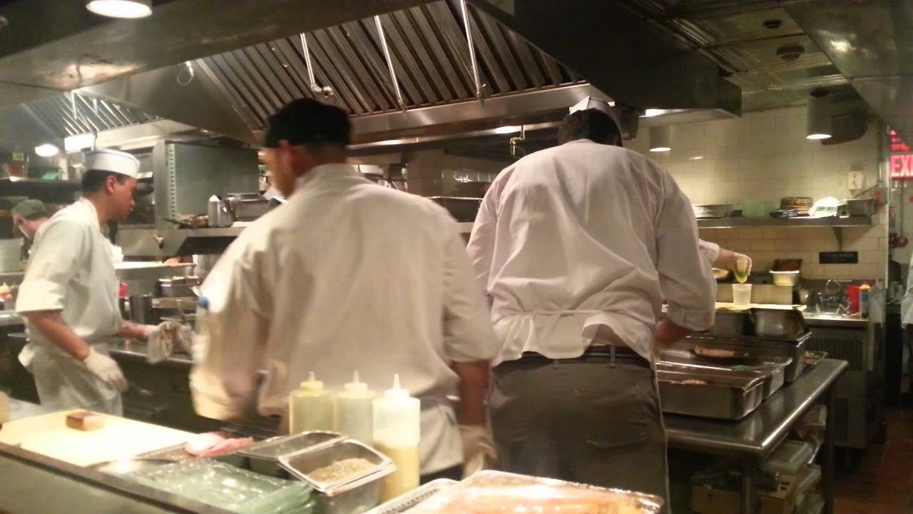 Busy Restaurant Kitchen Catch New York Open Kitchen On A Busy Night  Youtube