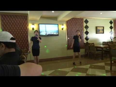 Korean Karaoke During Lunch In Pyongyang, North Korea