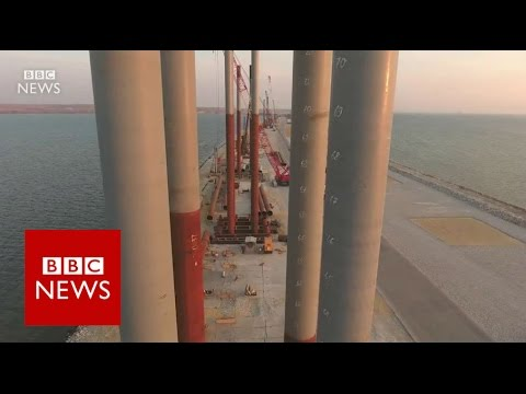 Russia's billion-dollar bridge to Crimea - BBC News