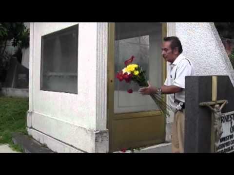 Pepe Guízar - Visita a su Tumba por El Charro Vega