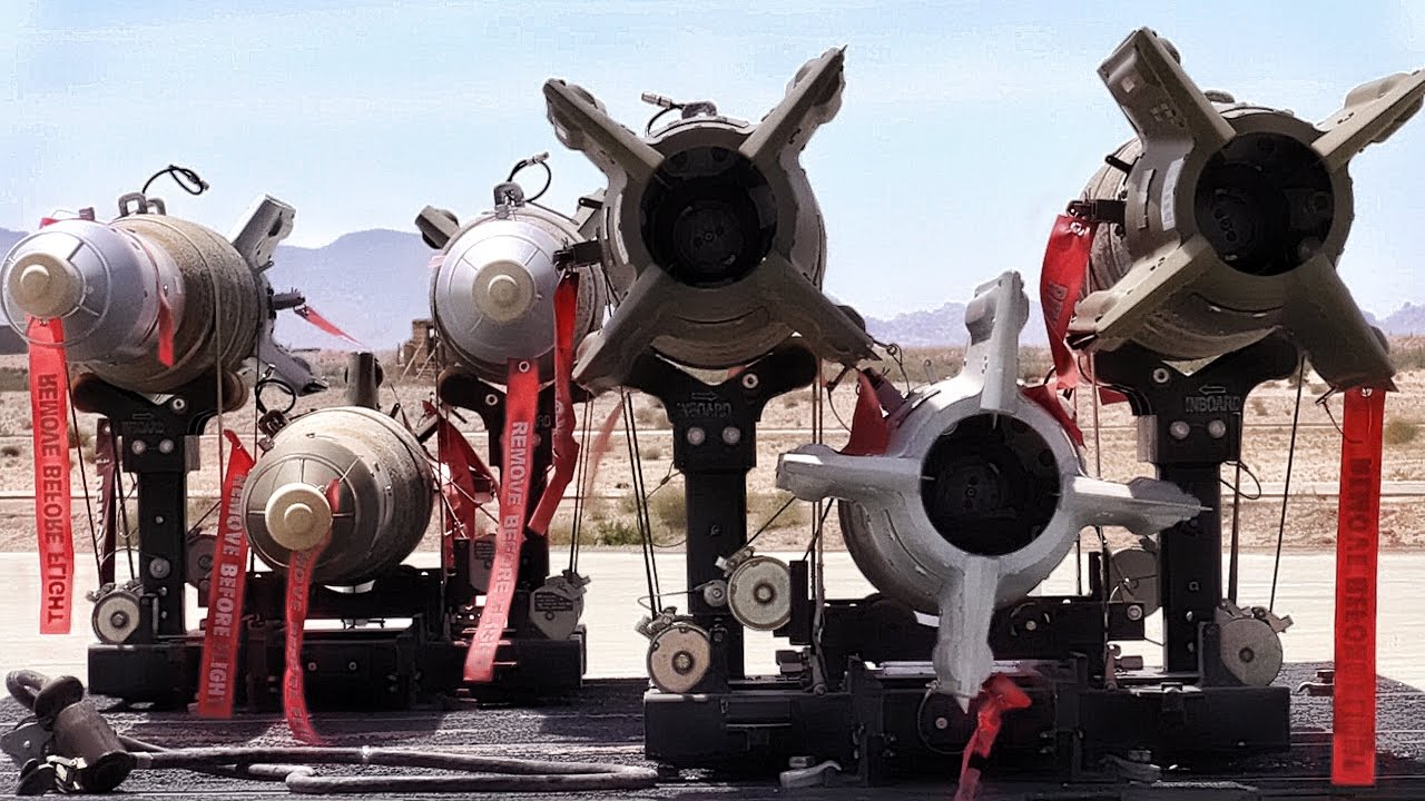 fighter jet weapons load usmc f a 18 hornets [ 1280 x 720 Pixel ]
