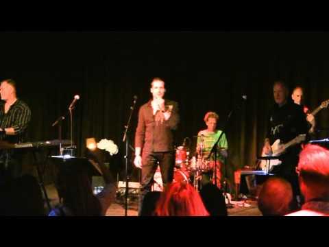 Angels (Robbie Williams( sung by Sander Hoek @ Live Band Karaoke
