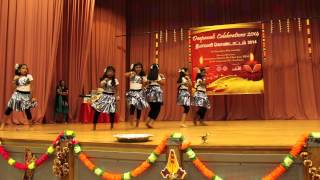 Kids dance for bollywood song