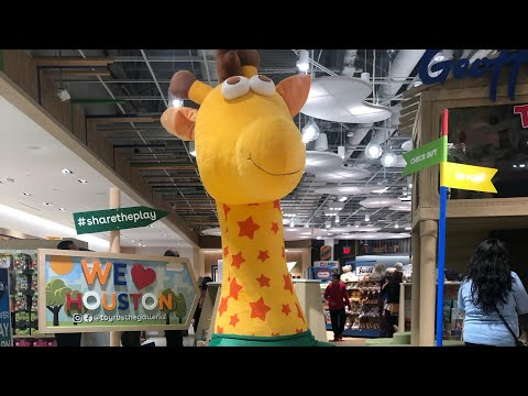 Toys R US IS BACK ! Toys R US Is Back IN Houston Texas The Galleria Mall Open First Location.